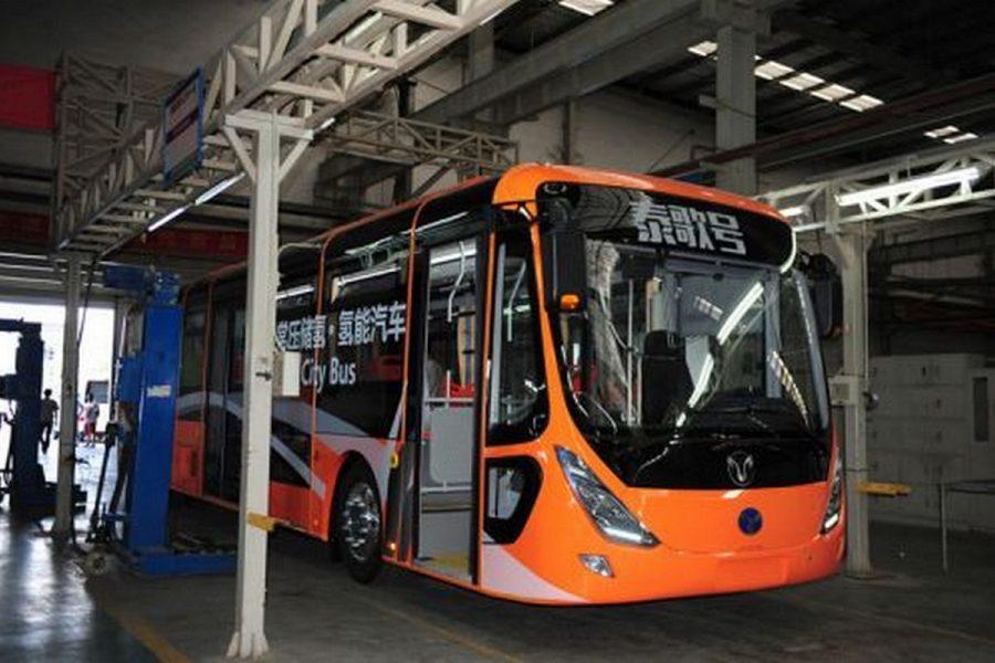 Китай представив автобус на водневому паливі