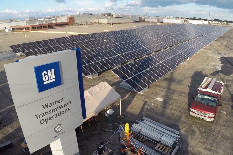 Великі американські корпорації переходять на поновлювані джерела енергії.