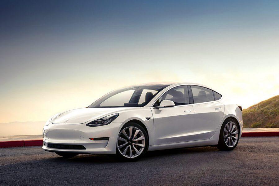 Електромобілі в 2018 році: бурхливе зростання і Tesla поза конкуренцією