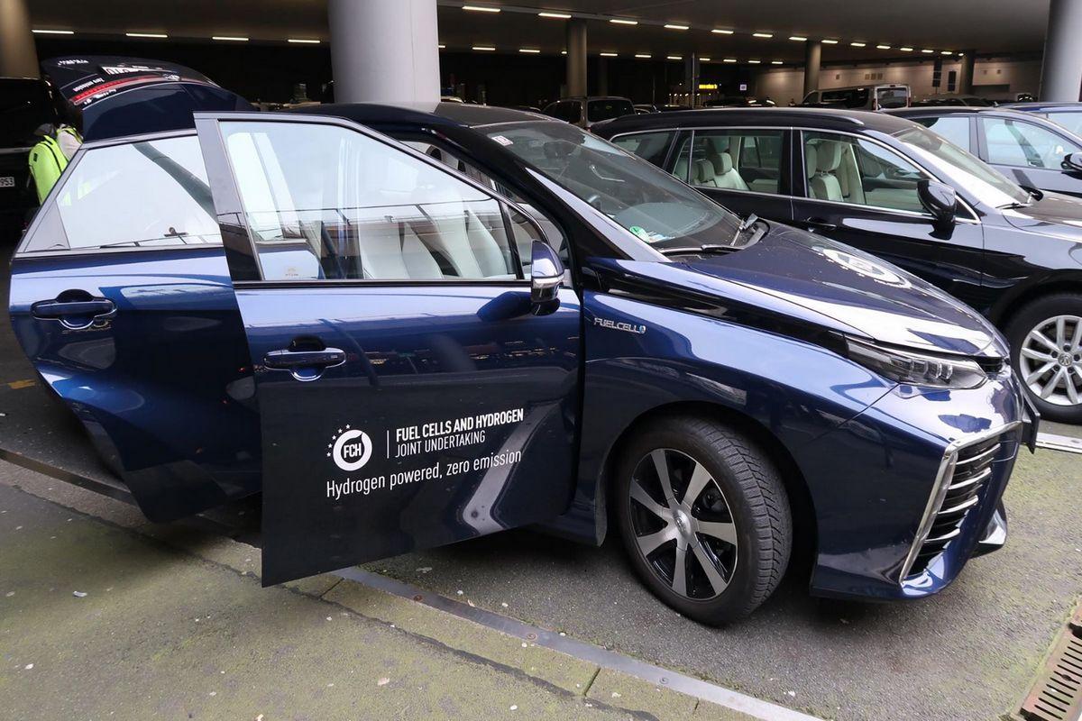 У Ганновері представили водневі автомобілі