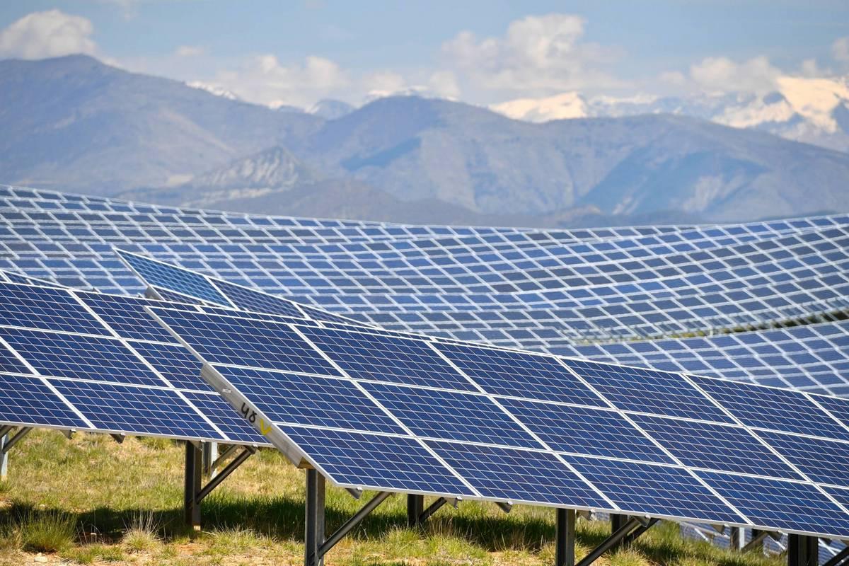 Бум сонячної енергетики змусив рости відновлювані джерела енергії швидше, ніж планувалося