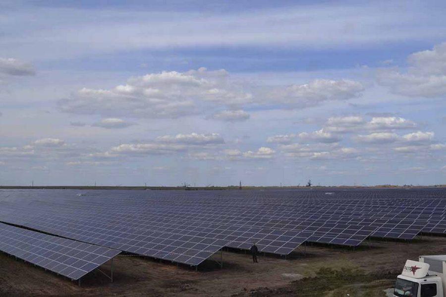 Вторая по мощности в Европе солнечная электростанция заработала в Днепропетровской области.