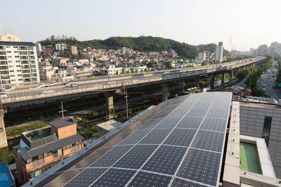 Сонячні батареї встановлять на мільйон дахів в столиці Південної Кореї